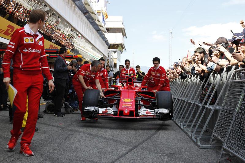 Formula 1, Gp Spagna: trionfo di Hamilton, secondo Vettel