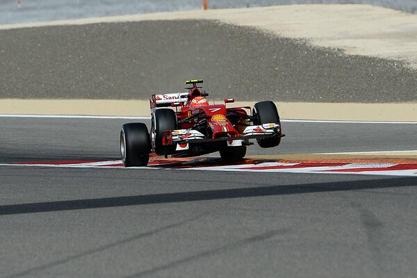 Raikkonen cordolo Bahrain