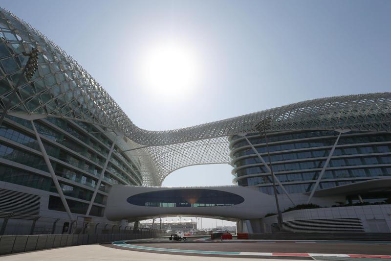 Test F1 Abu Dhabi: la seconda giornata in Diretta (Foto e Live)