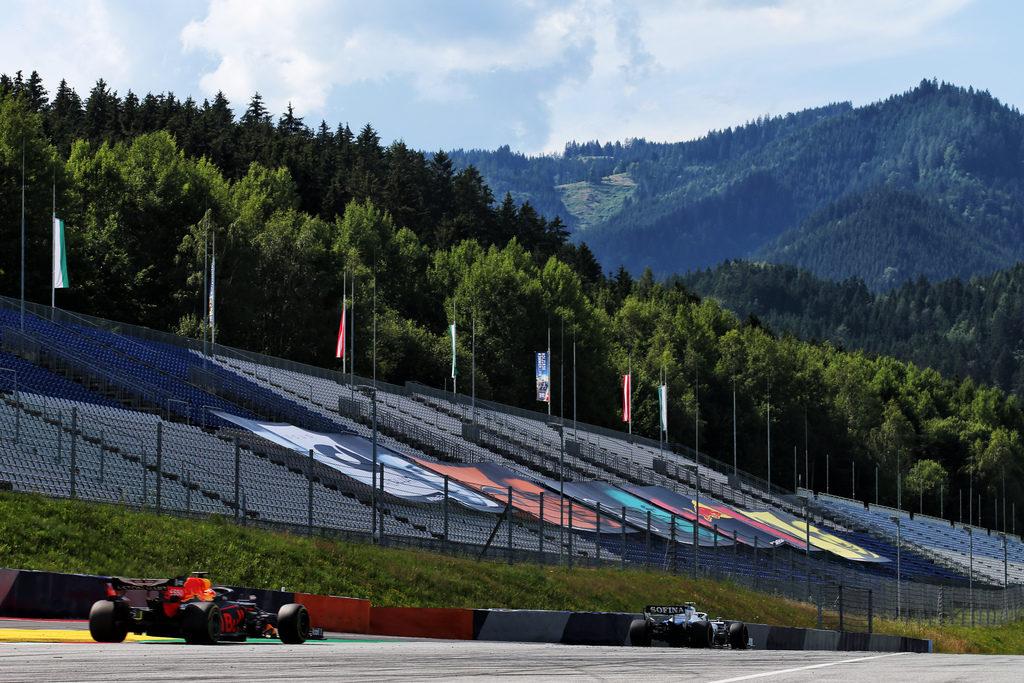 F1 | Gran Premio di Stiria: la Gara in DIRETTA – Vettel e Leclerc OUT