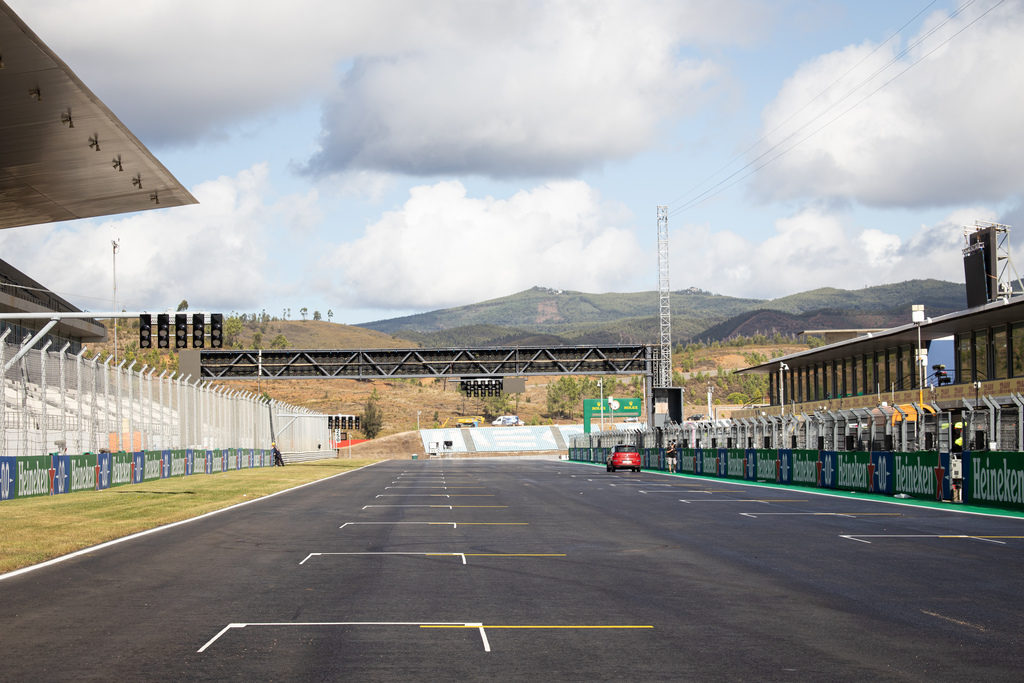 F1 | GP Portogallo: Prove Libere 1 in DIRETTA (live e foto)